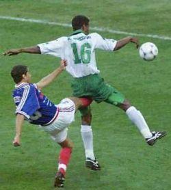 imagenes chistosas de futbol patada en la entre pierna Imágenes Chistosas de Fútbol para Whatsapp