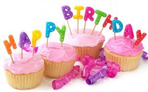 imagenes de cumpleaños en ingles cupcakes 300x188 Imágenes Cumpleaños en Ingles para Whatsapp