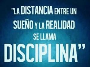 frases de disciplina distancias 300x223 Imágenes con Frases de Disciplina para Whatsapp